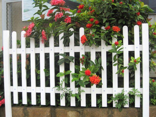 Thanh nhựa hàng rào mỹ thuật